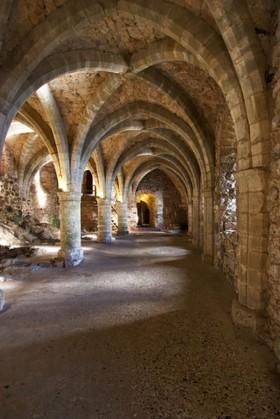 арка с колоннами