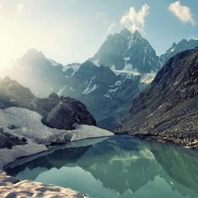 гора озеро