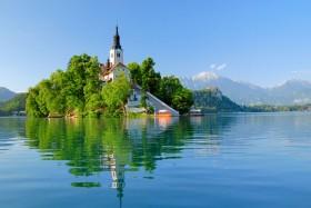 озеро церковь