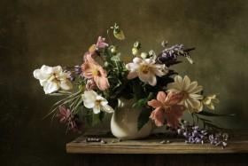 ваза с букетом