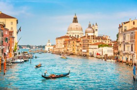 венеция, ясное небо