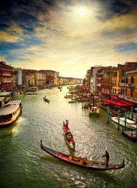 венеция,гандолы