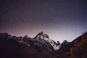 горы звездное небо